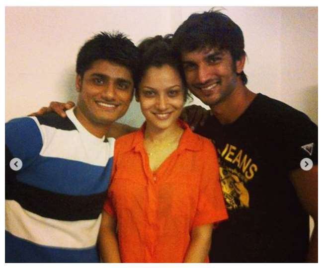 Sushant-SIngh-Rajput-with-his-friend-sandip-singh-and-girlfriend-Ankita-Lokhande